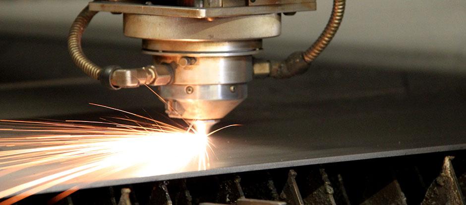 Резка металла в Оренбурге и преимущества стальных листов